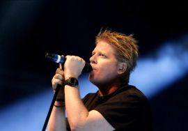 Vocalista do Offspring, Dexter Holland
