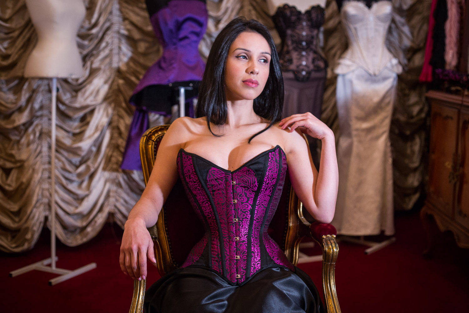 721060142-corsets-madame-sher-256057879