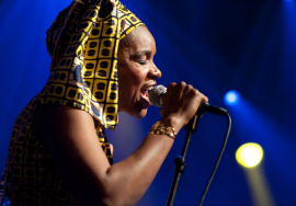 A cantora e compositora Mamani Keïta, do Mali