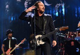 GettyImages-666022010-Pearl-Jam-Hall-of-fame-920x598