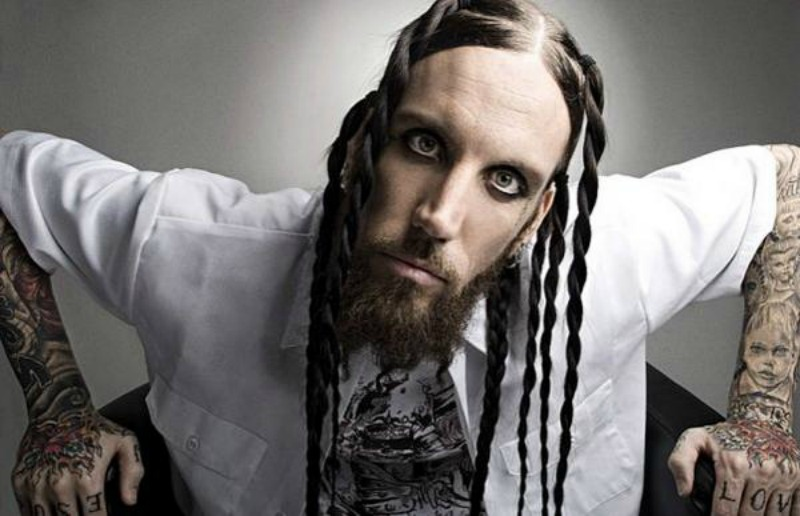 Brian Head Welch criticou Chester Bennington